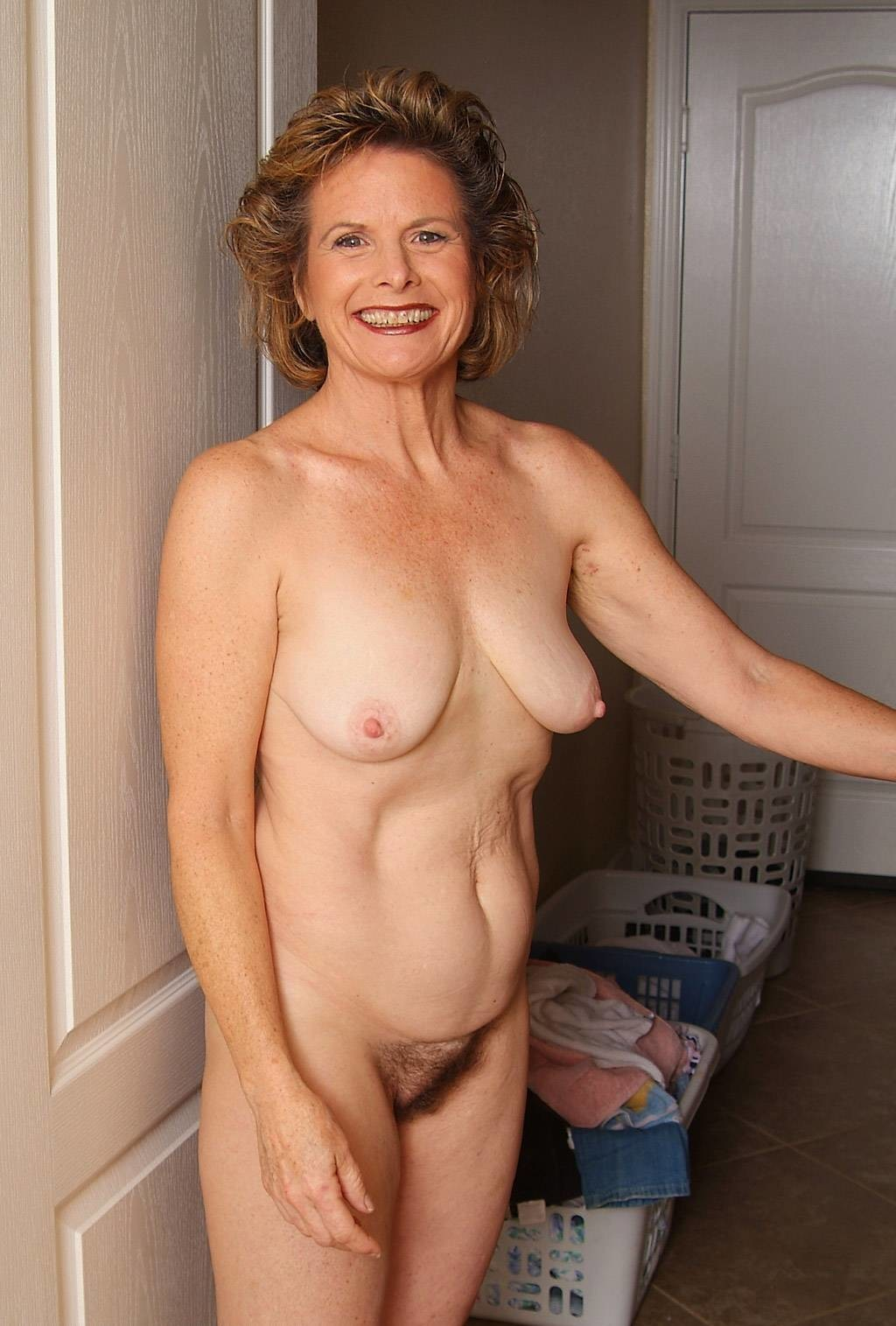 Amateur mature slut mom dripping old cunt all over 8