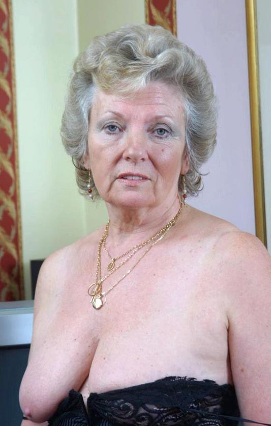 Old Lady Sexy 118
